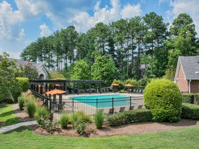 Midtown Crossing Apartments Resort Pool with Expansive Sundeck